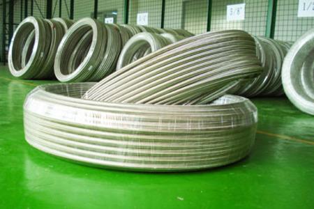 PTFE不銹鋼編織管1.jpg